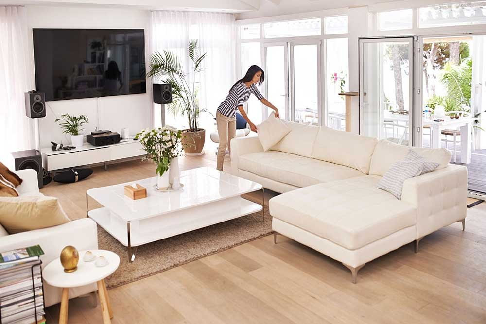 Decorative-Elements-for-Living-Room